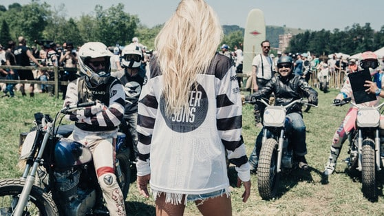 Yamaha a Wheels and Waves con la Faster Sons Riot