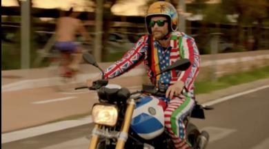 """Jovanotti, passione """"special"""": eccolo sulla BMW dai mille colori"""