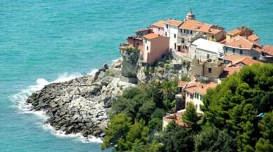 Turismo, Liguria e Toscana: in mezzo scorre il fiume