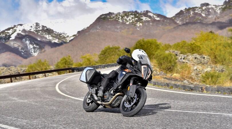 KTM 1090 Adventure e 1290 Super Adventure S: alto livello