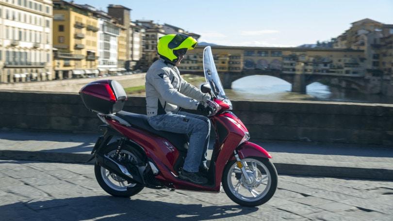 Honda SH 125i e 150i: lunga vita al re
