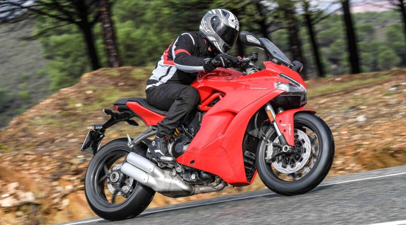 Ducati Supersport: racing da viaggio