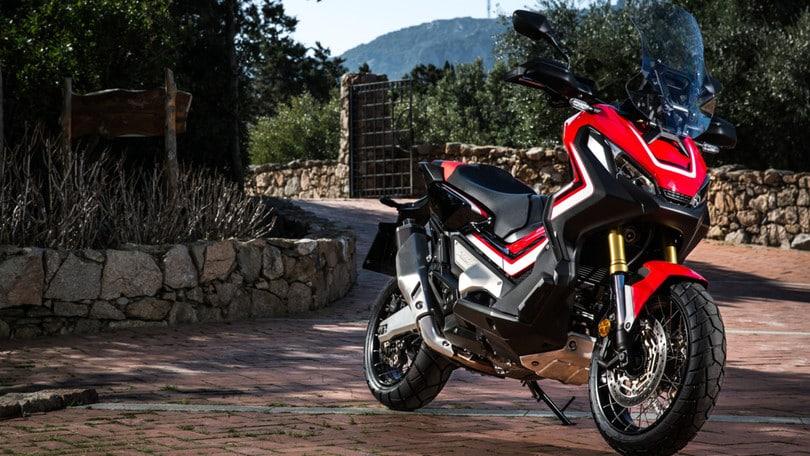 Honda: con l'X-ADV sfida lanciata alla Yamaha (e al TMax)