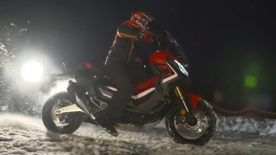 Marquez prova Honda X-ADV sulla neve