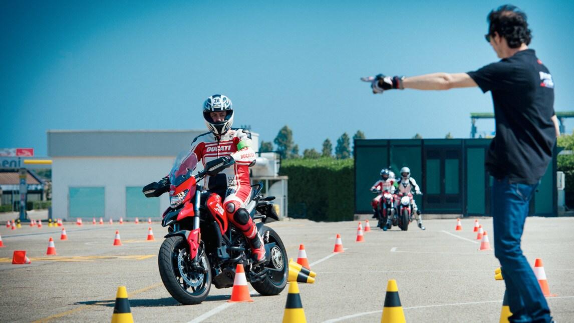 DRE: corsi di guida Ducati al via