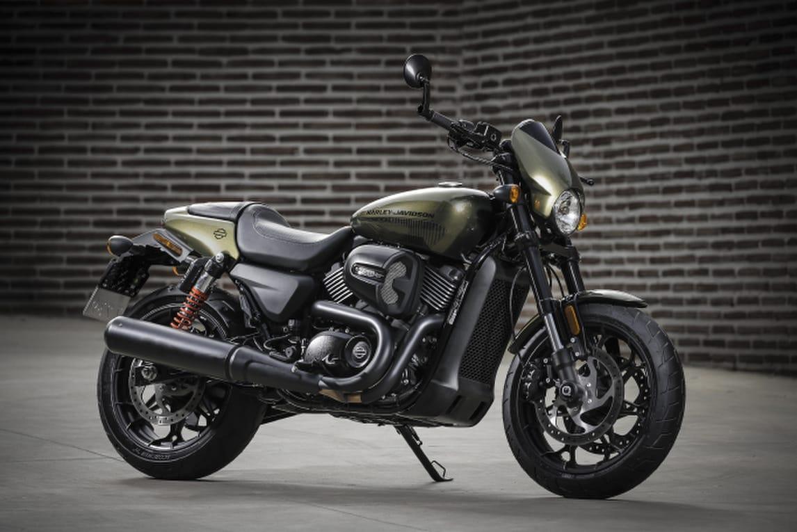 Harley-Davidson Street Rod: le foto
