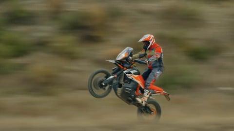 KTM 790 Adventure R in azione