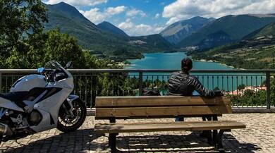 In moto da Roma a Napoli, solo curve!