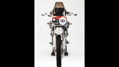 WSM L'Avventura, omaggio alla Dakar. Il motore è Ducati