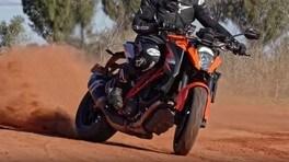 Attacco alla sabbia rossa dell'outback - VIDEO