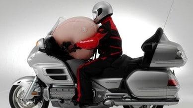 Honda Gold Wing, attenti all'airbag: richiamo