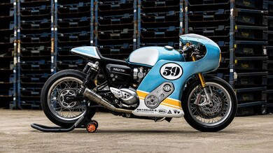 Mellow Motorcycle Triumph Thruxton 'Phantom Blaze'