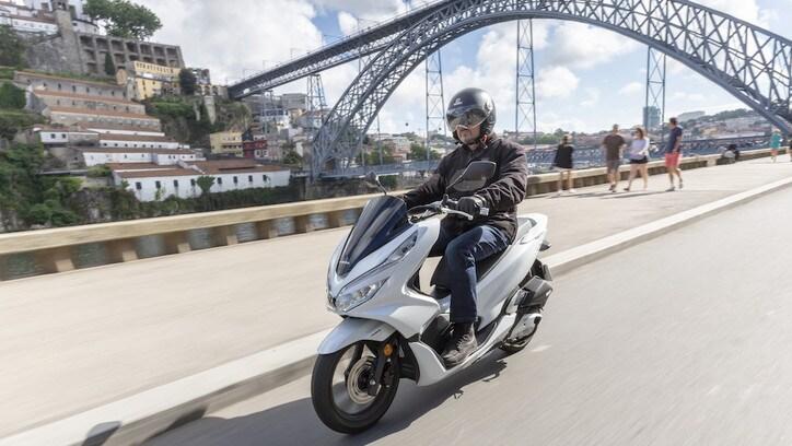 Honda PCX 125: primo contatto