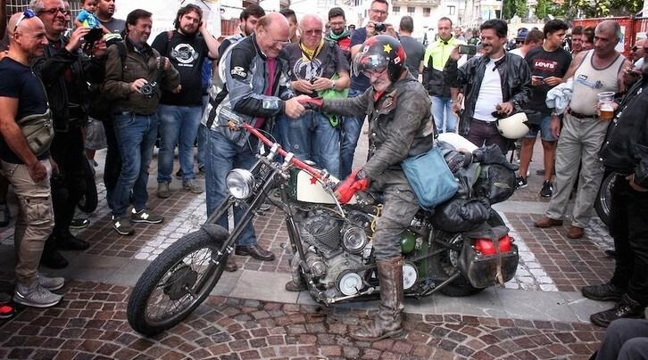 """In Moto Speciale """"Cocco"""": da Pozzis a Samarcanda con una Harley del '39 #1"""