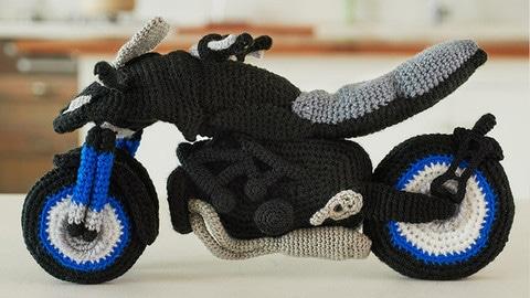 Yamaha insegna a fare una Niken a maglia - LE FOTO