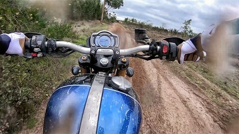 Nuova Triumph Scrambler 1200 in off-road | VIDEO