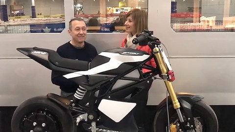 Video-Intervista: la pit bike elettrica di Loris Reggiani
