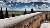 In viaggio a Custoza tra vini bianchi e un suggestivo Ossario