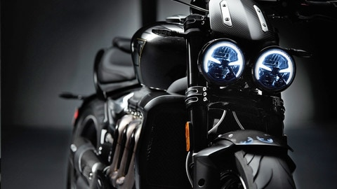 Triumph Rocket 3 TFC: solo per pochi - IL VIDEO