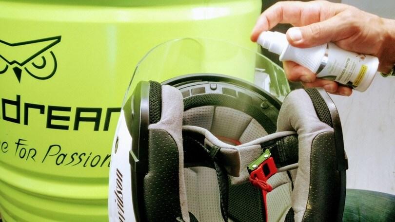 L'igienizzante alla camomilla per casco e accessori