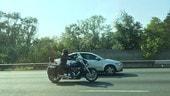 Sorpasso a moto e bici: responsabilità di chi guida l'auto