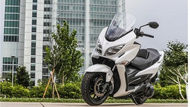 Suzuki: il Burgman 400 ABS si rinnova