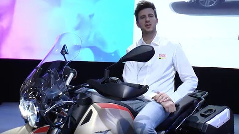 EICMA LIVE 2019: Moto Guzzi V85 TT Travel VIDEO