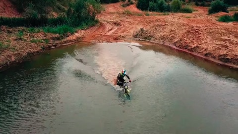 Milandr SM-250: la moto elettrica che non teme l'acqua – IL VIDEO
