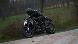 Kawasaki Z900, l'hooligan delle medie