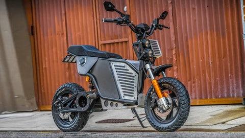 NKD: La moto elettrica in plastica riciclata VIDEO