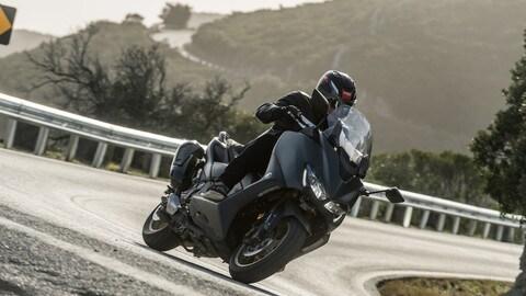 Video-prova: Yamaha TMax 560, compromessi zero