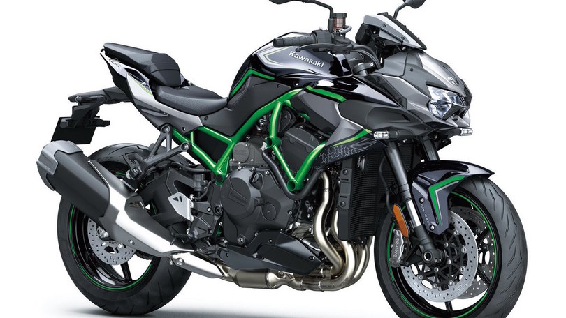 Kawasaki: la super naked ZH2 in passerella al Motor Bike Expo
