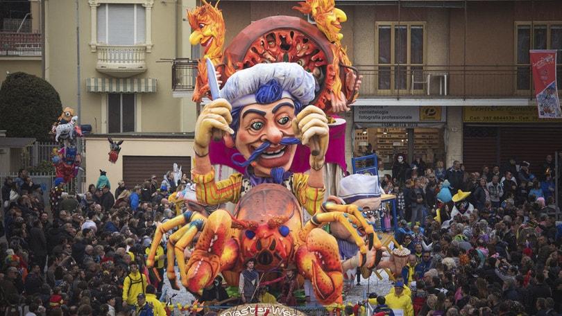 In moto nel weekend: Carnevale magico ad Aliano, Santhià, Borgosesia