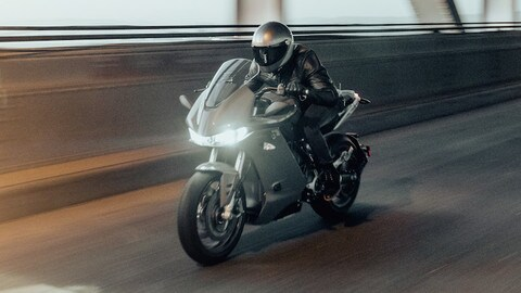 Zero Motorcycles: ecco la SR / S, sport tourer elettrica
