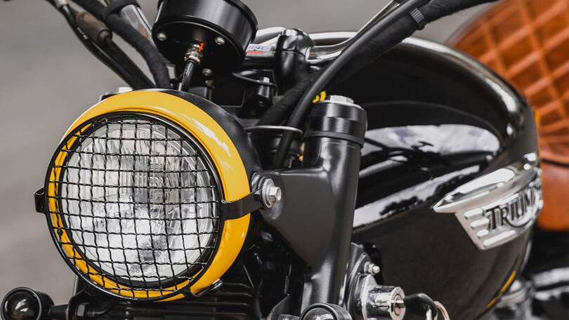 'Black & Yellow', ovvero la Triumph Scrambler Barbour