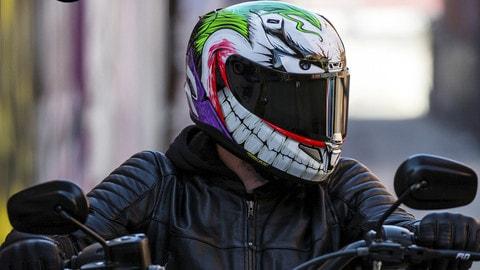 Da HJC il casco del Joker - LE FOTO