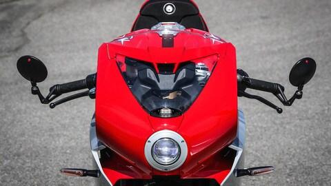 Prova MV Agusta Superveloce 800: la grande bellezza FOTO