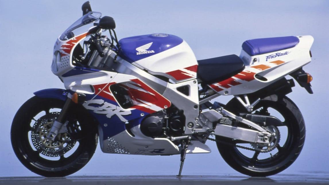 Rewind, Honda CBR 900 RR Fireblade: e le 1000... mute!