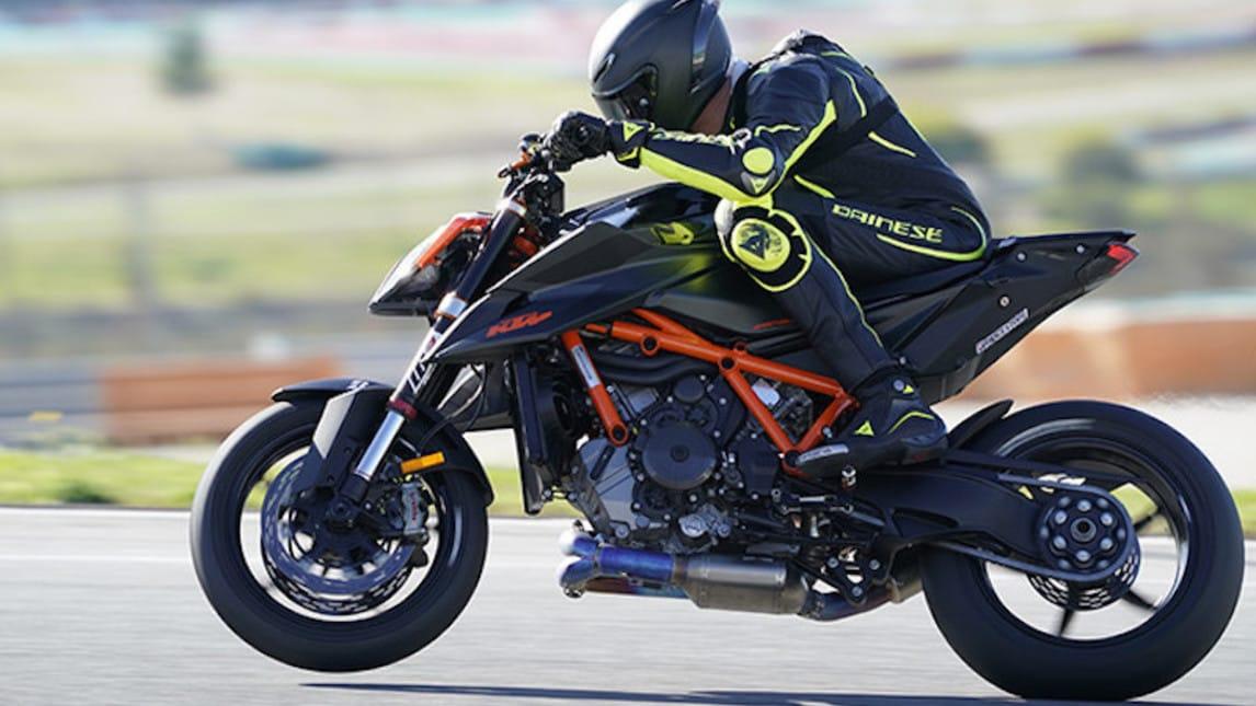 KTM, la nuova Super Duke RR arriverà nel 2021 - InMoto