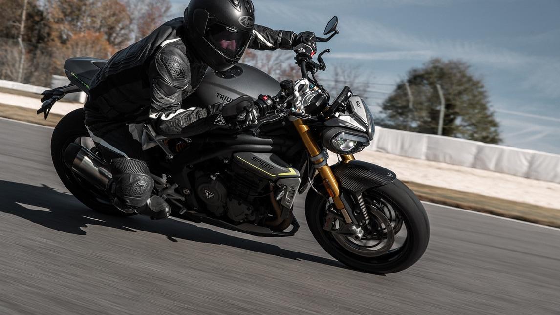Anteprima: ecco la nuova Street Triple RS 2020 - Motociclismo