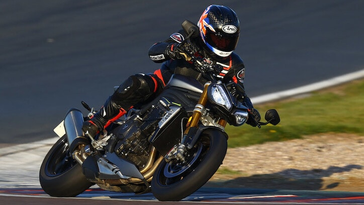 Prova Triumph Speed Triple 1200 RS: Dio salvi la regina