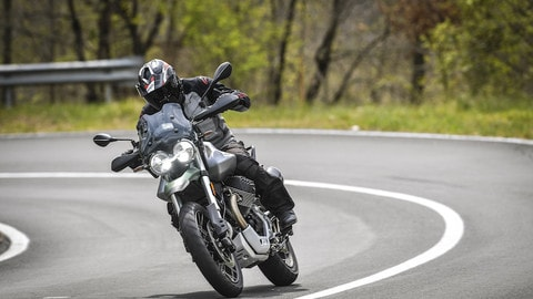 Prova Moto Guzzi V85 TT 2021 - FOTO