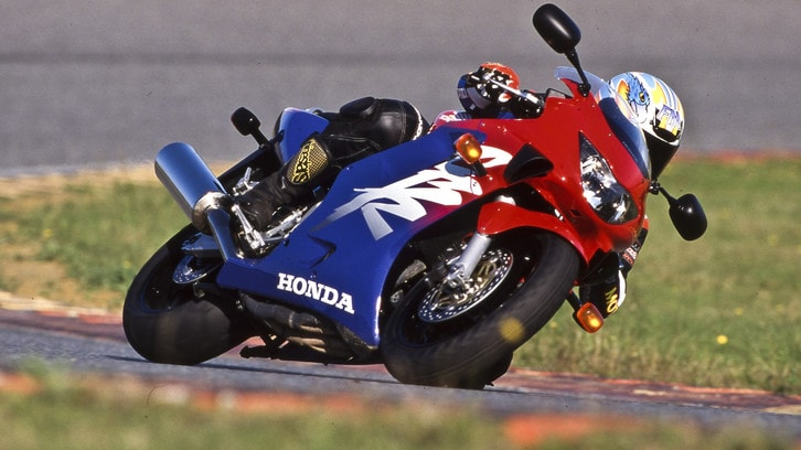 Rewind, Honda CBR 600 F '98: veloci senza soffrire