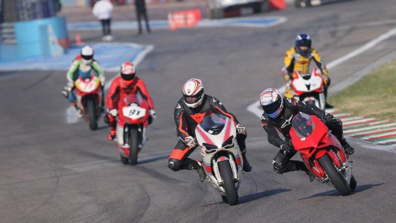Assicurazione moto: non è obbligatoria per le moto da pista, ma...
