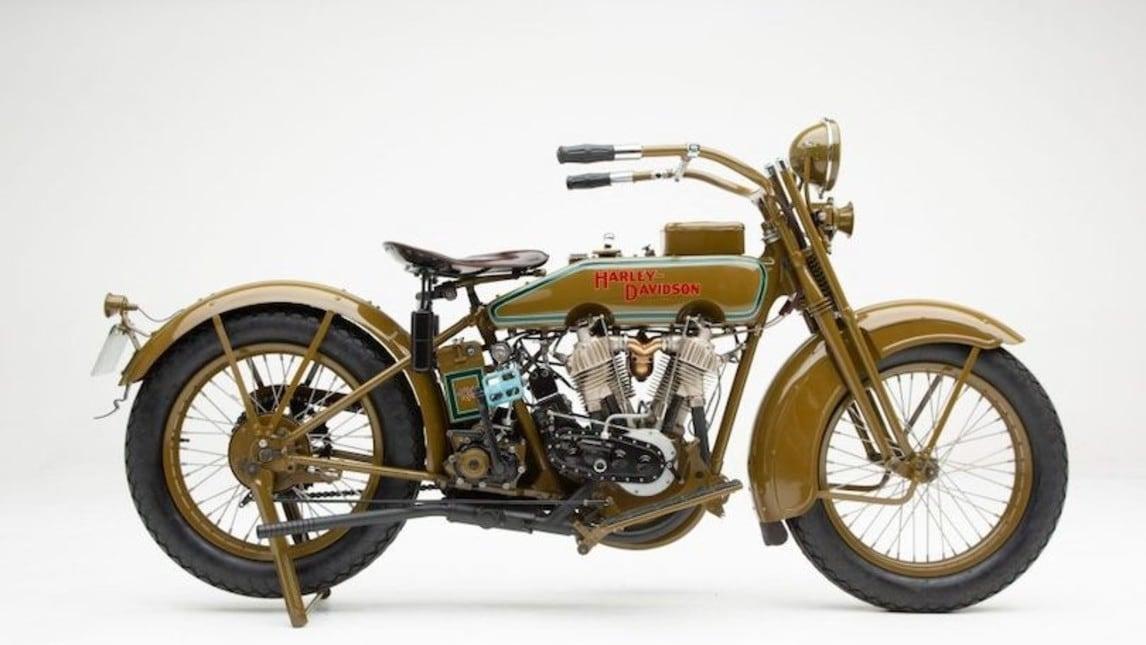 Harley-Davidson, una Model J centenaria e immacolata all'asta