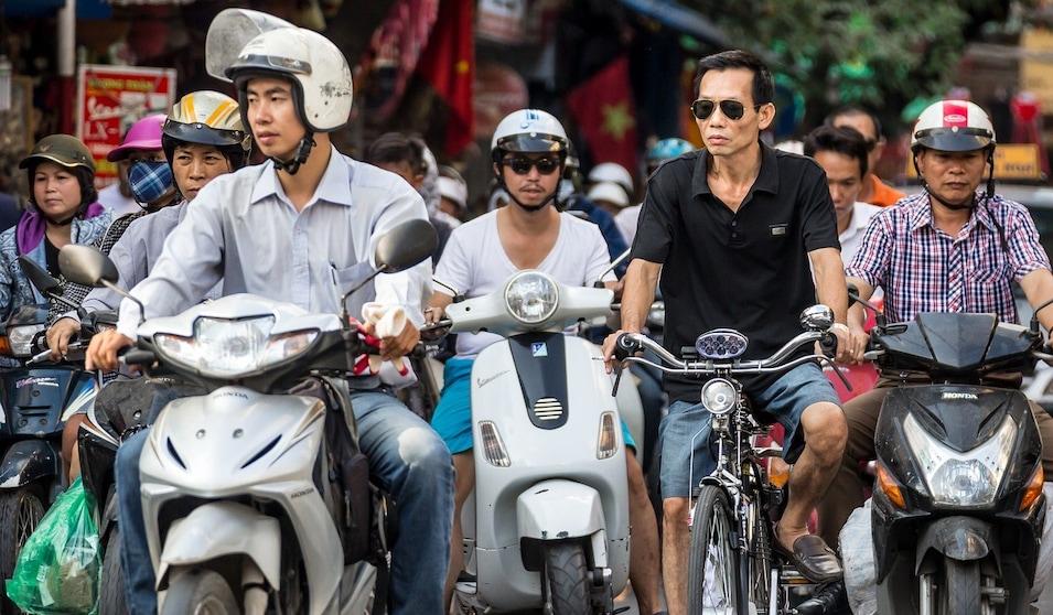 Mercato Cina, limiti all'elettrico: vendite giù