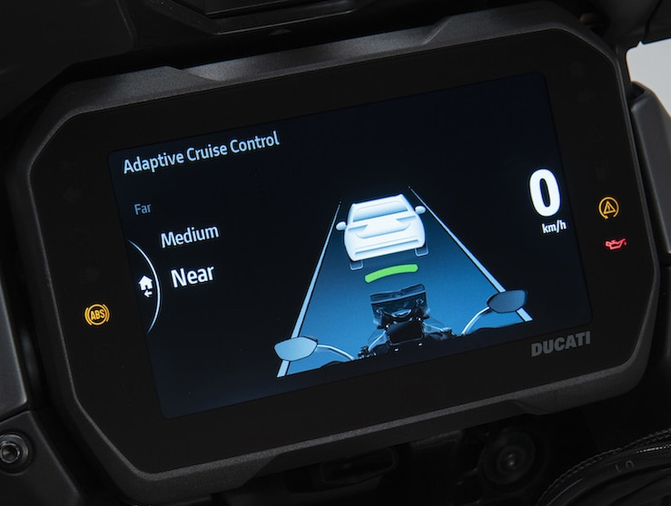 Ducati Multistrada V4: come è fatto il radar anticollisione