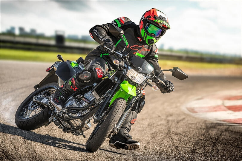 Kawasaki KLX 300 e 300SM 2021: le supermotard in verde per gli USA