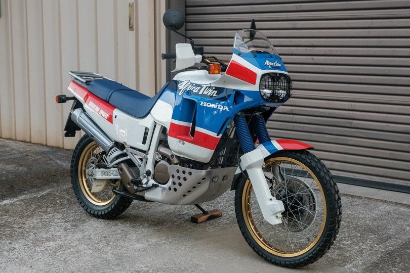 """Honda Africa Twin, all'asta un modello """"km 0"""" del 1989"""