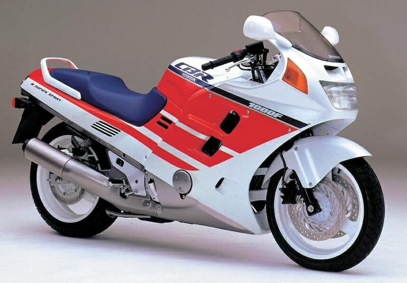 """Stile e tecnica della moto: l'epoca delle carene """"sigillate"""""""